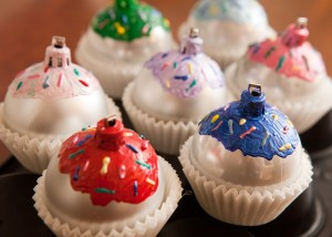 2013-ornament-balls-DIY-cupcakes