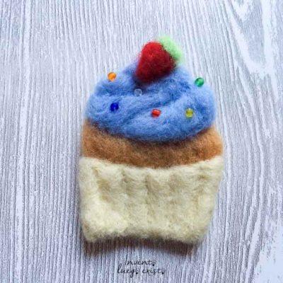 Broche «Cup Cake» de lana merina fieltrada (Md:1)