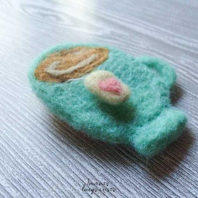 Broche «Taza de Té» de lana merina fieltrada (Md:1)