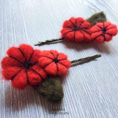 "Horquillas ""Flores Rojas"" de lana merina fieltrada (Md:1)"