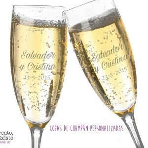 Dos copas de champán grabadas